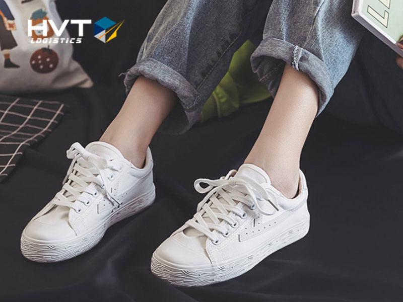 Size giày và size dép có giống nhau không?