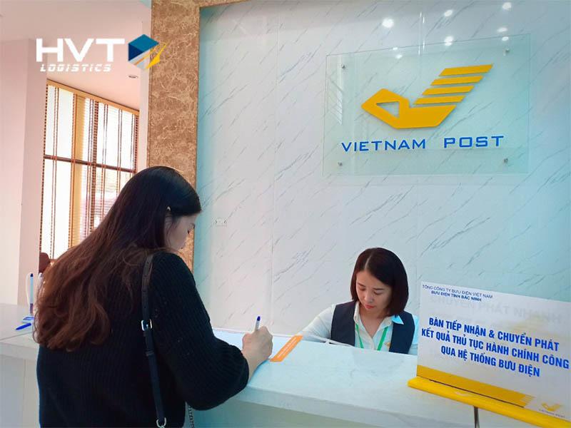 Thủ tục sử dụng dịch vụ chuyển phát nhanh bưu điện